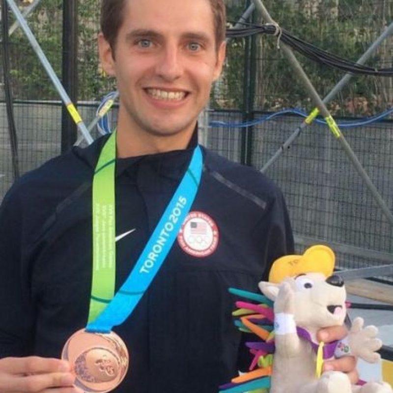 Medalla de bronce en 3000m con obstáculos. Foto:Vía instagram.com/cory_leslie