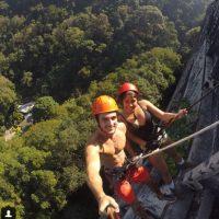 Tienen 23 y 18 años y se conocieron escalando. Foto:vía Instagram