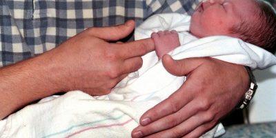 Después de esperar una hora en el hospital, fue al baño y entonces su bebé nació. Foto:Getty Images