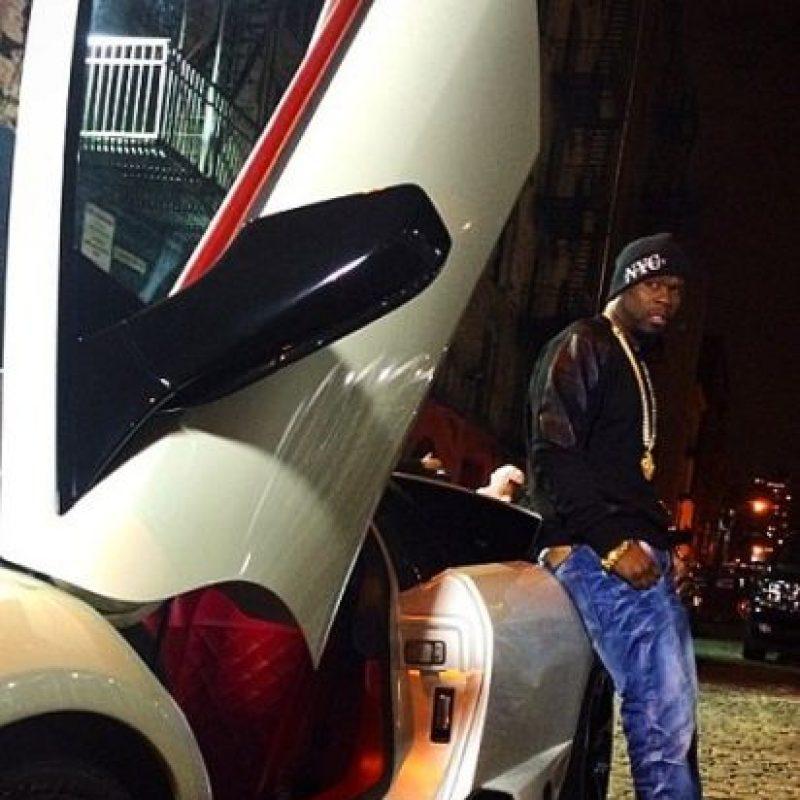 Se presume que el cantante es dueño de autos como Lamborguinis, Bentleys y Rolls Royces… Foto:vía instagram.com/50cent