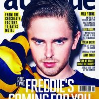 El actor luce irreconocible en la publicación de la revista. Foto:Revista Attitude