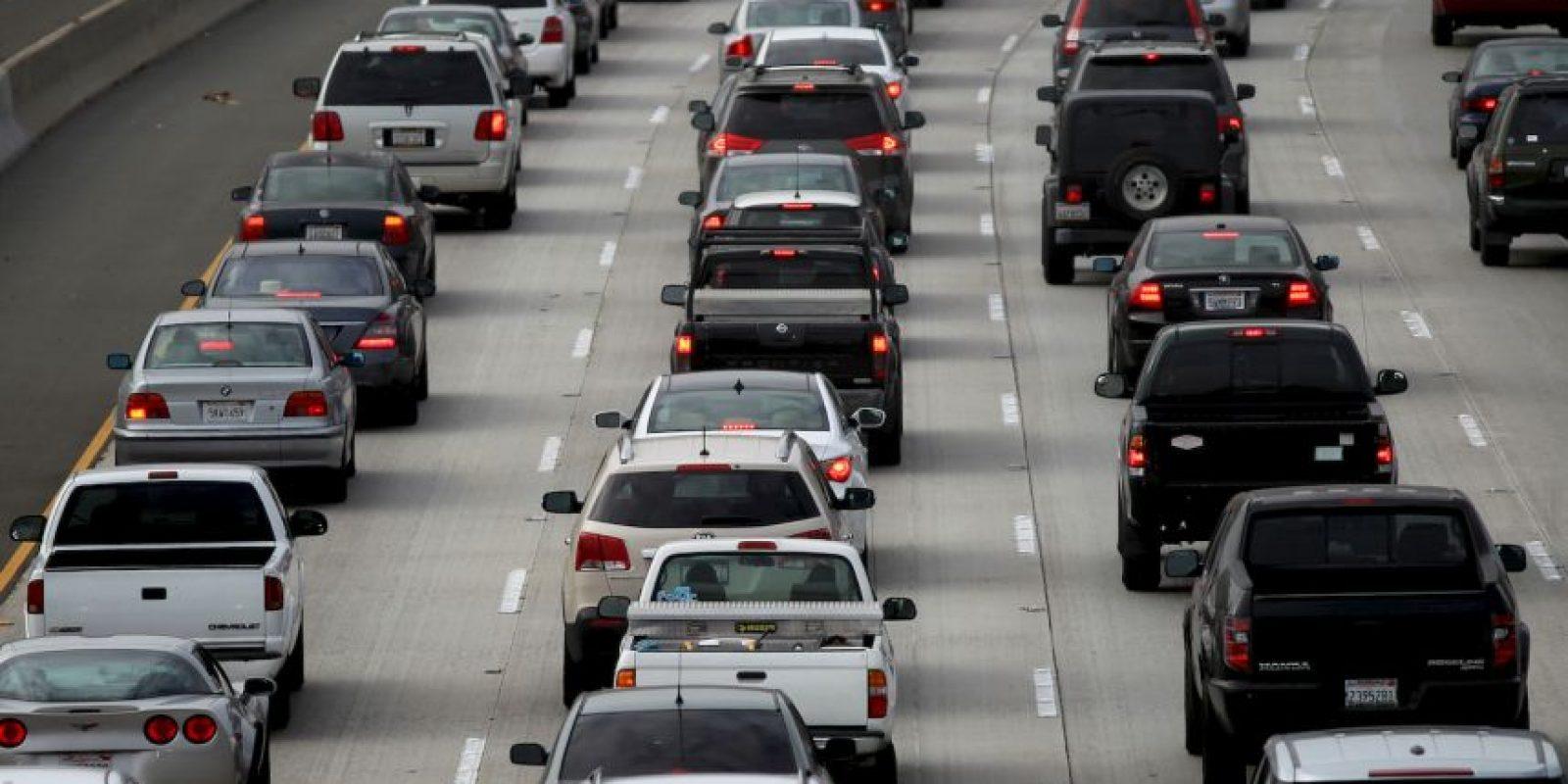 La idea es construir autos autónomos que utilicen Internet como medio de comunicación y control Foto:Getty Images
