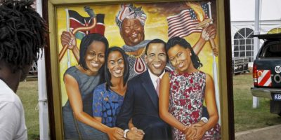 Las pinturas parte de una exposición con motivo de la llegada del presidente Foto:AP