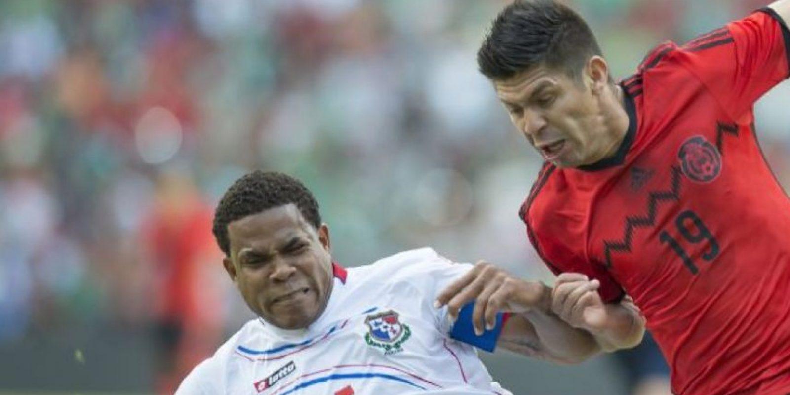 """El partido que comenzó ganando Panamá ahora causa polémica, pues varias decisiones arbitrales han estado a favor de los mexicanos. Incluso varios que apoyan al """"Tri"""" están enojados por ello. Foto:vía MexPort"""