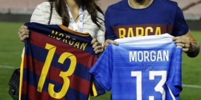 Encuentro de cracks: Alex Morgan y Andrés Iniesta intercambiaron camisetas