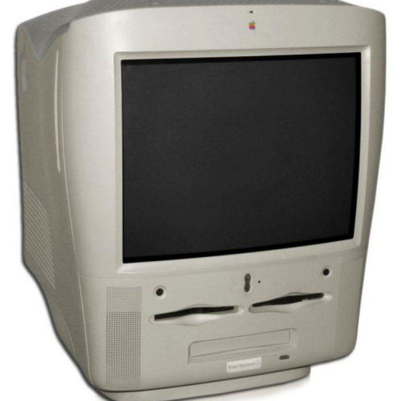 El 31 de enero de ese año se la marca lanzó el Power Macintosh G3 AIO una computadora personal de escritorio Foto:Apple