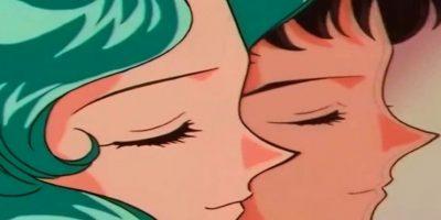 """4. Michiru, pareja de Haruka (Sailor Uranus), coquetea con Seiya en su camerino, en """"Sailor Moon"""". Foto:vía Toei"""