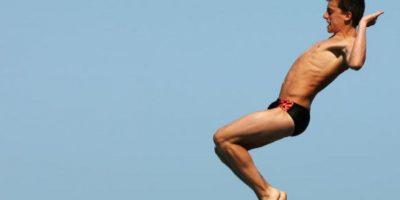 El salto o clavado (conocidos en plural como saltos ornamentales) es una forma de deporte o entretenimiento, que consiste en lanzarse al agua de una piscina, lago, río o del mar desde algún punto fijo o vibrátil. Foto:Getty Images