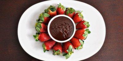 5. Las fresas contienen fibra soluble, esta ayuda a retardar el proceso de la digestión, y alternadamente, mantener estables los niveles de azúcar en la sangre. Esto los ayudará a sentirse menos irritables. Foto:Getty Images