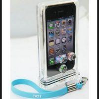 Las fundas o bolsas cerradas herméticamente serán ideales para proteger al teléfono de salpicaduras Foto:Scuba Case