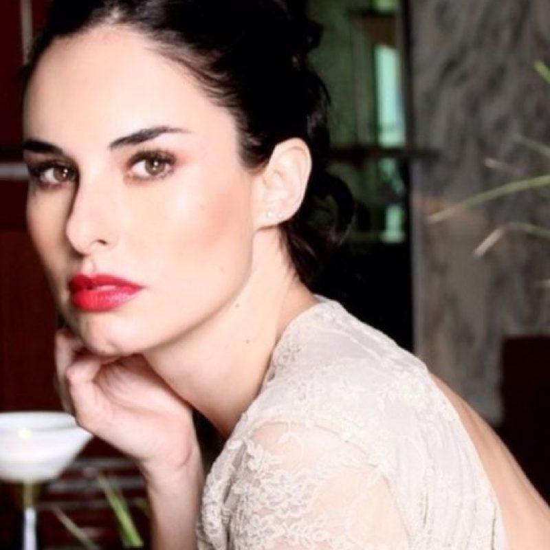 Ana Serradilla, actriz mexicana que le lleva dos años. Imponente. Foto:vía Caras