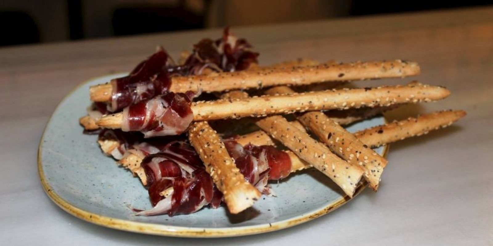 Este negocio es popular en la Ciudad Condal por preparar los tradicionales asados argentinos. Foto:Vía facebook.com/9Reinas