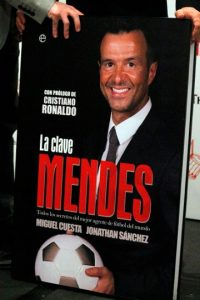 El agente portugués maneja las carreras de varios futbolistas importantes y directores técnicos. Foto:Getty Images