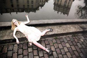 """Modelo """"muerta"""" en el canal. Foto:vía Lula"""