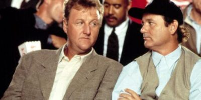 El entrenador Larry Bird también hizo de sí mismo. Foto:vía Warner Bros
