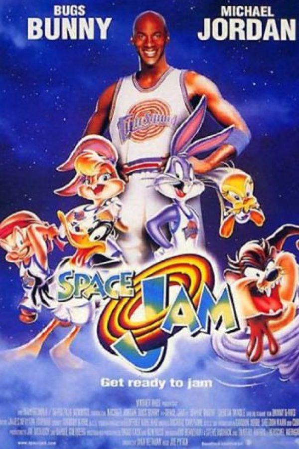 """¿Se acuerdan de """"Space Jam"""", esa película en la que Michael Jordan """"actuó"""" con los Looney Tunes? Foto:vía Warner Bros"""