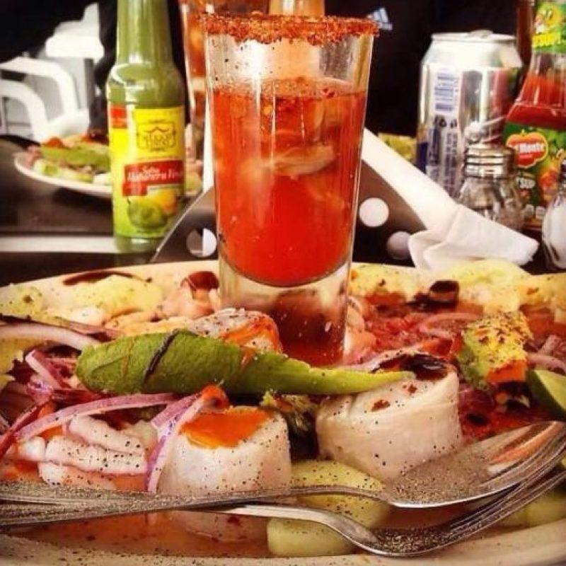 """Ahí se preparan platillos exquisitos como ostiones gratinados o el tradicional """"aguachile"""". Foto:Vía facebook.com/muelle10"""