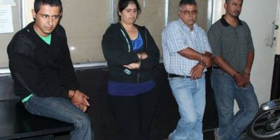 Familia que tenía alerta roja en la Interpol se entrega en Tribunales