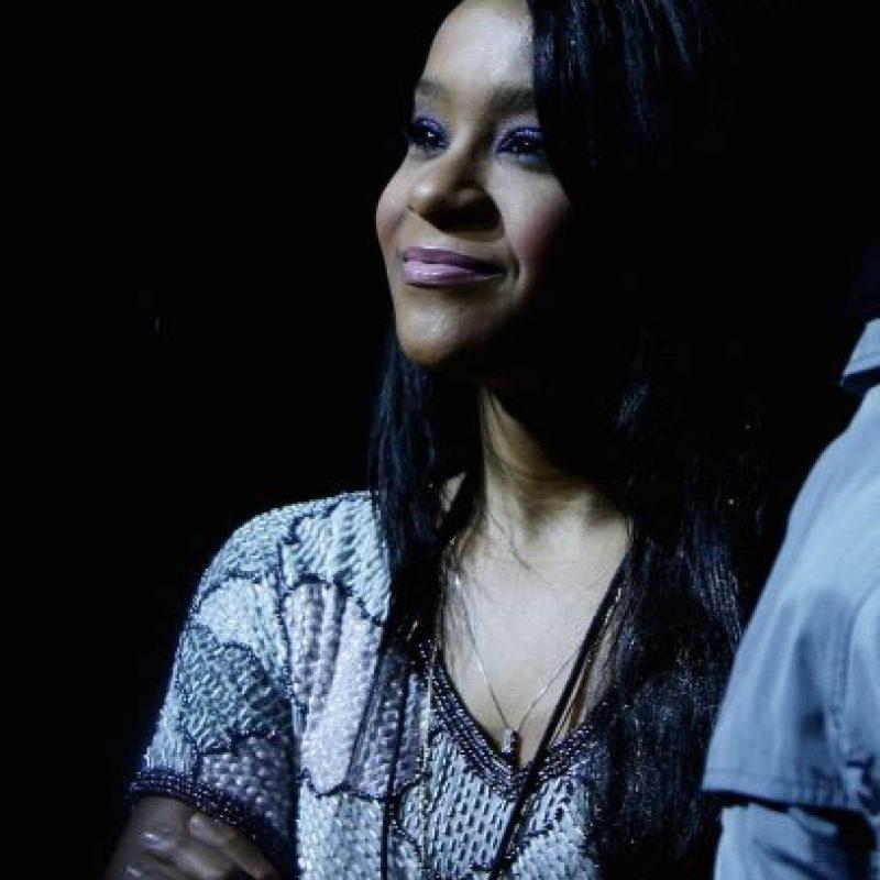 Los mensajes se enviaron en el mes de enero, días antes de que la hija de Whitney Houston apareciera inconsciente en la bañera de su casa. Foto:Getty Images