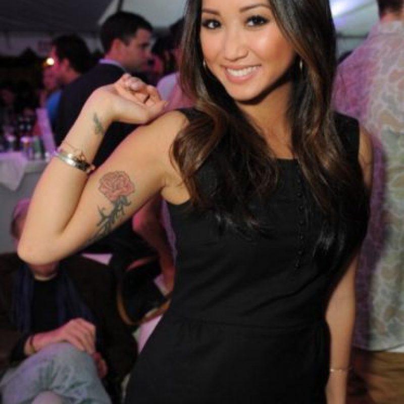 En la película dedicada a la red social, Saverin también tiene una novia de rasgos asiáticos de nombre Christy Lee, interpretada por Brenda Song. Foto:Getty Images