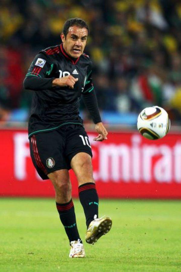 El exfutbolista mexicano golpeó a un comentarista de televisión. Foto:Getty Images