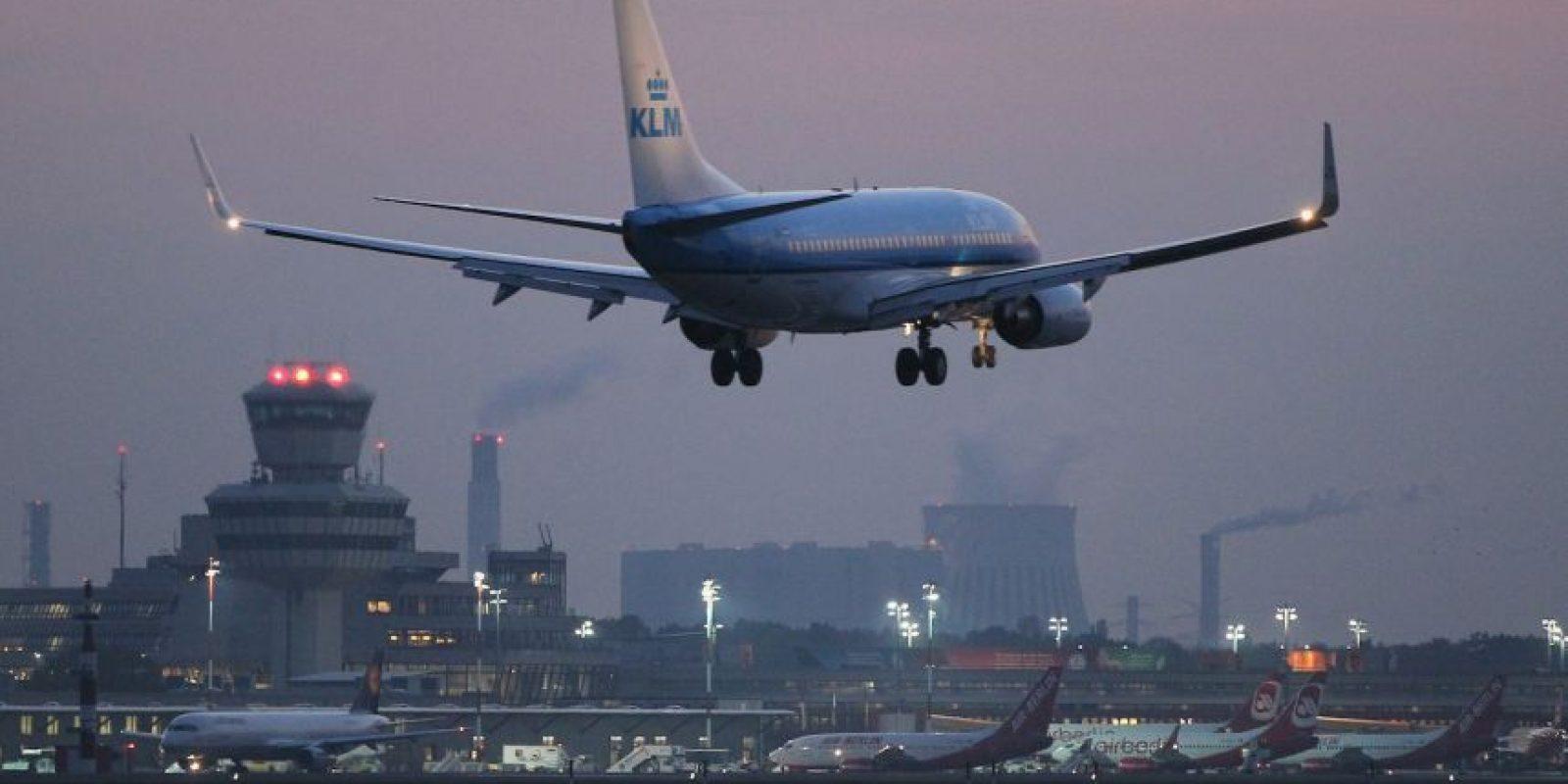 El Boeing 777 se ladeó debido a los fuertes vientos. Foto:Getty Images
