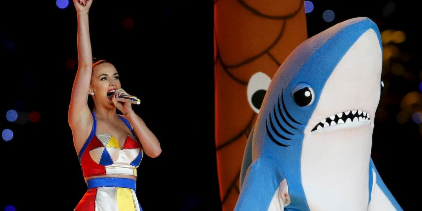 Taylor Swift revivió al tiburón que utilizó Katy Perry en el Super Bowl. Foto: Getty Images