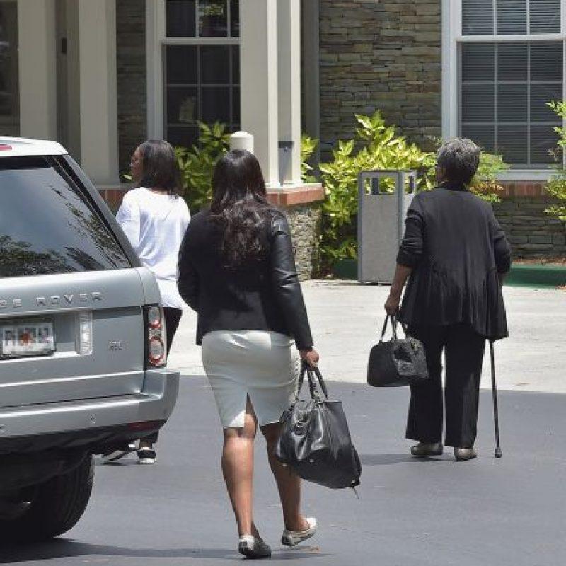 """Finalmente, una fuente reveló a """"Us Weekly"""" que los familiares de la joven habían comenzado a limpliar y a tirar todas las pertenencias de Bobbi. Foto:Getty Images"""