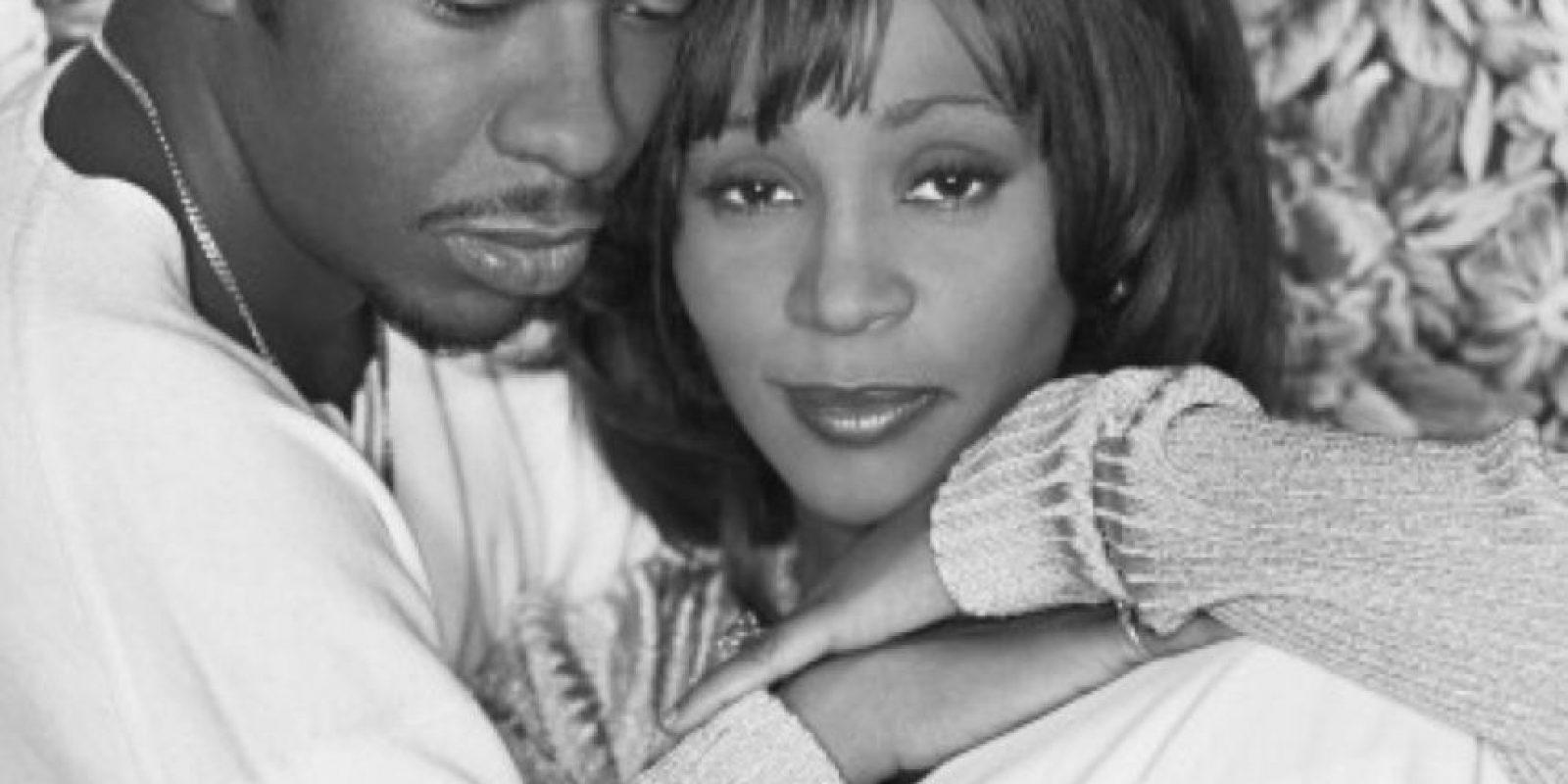 Whitney Houston tuvo una tormentosa relación con su marido, Bobby Brown. Foto:vía Getty Images