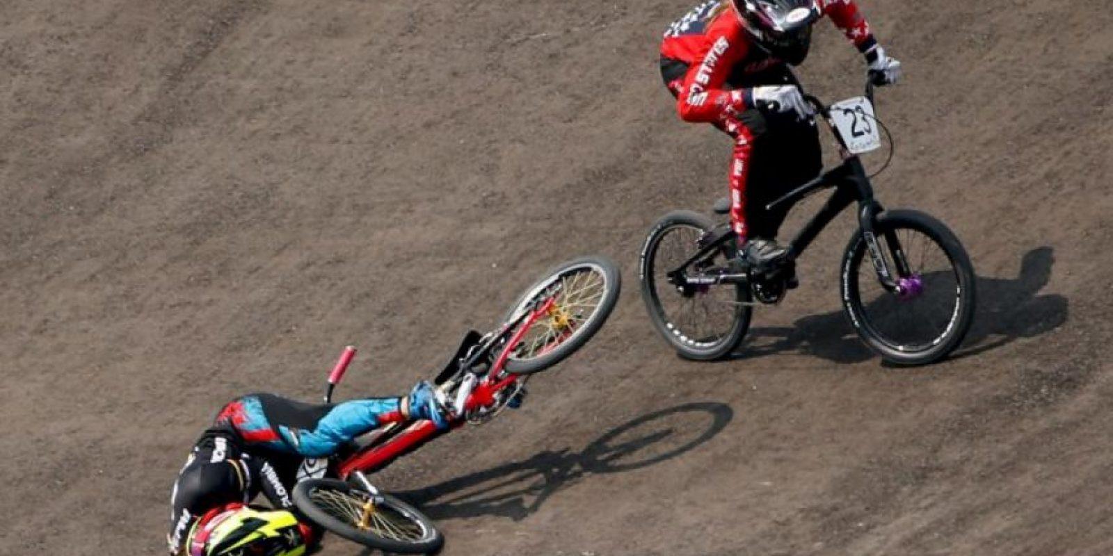 La colombiana fue la última en la final de BMX debido a una aparatosa caída Foto:Getty Images