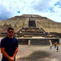 Ella lo llevó a las pirámides de Teotihuacán Foto:Vía instagram.com/eizagonzalez/