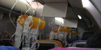 FOTOS: Así reaccionaron pasajeros en un aterrizaje de emergencia