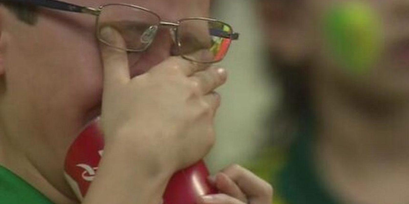 Es el niño brasileño que fue captado llorando tras el 7-1 de Alemania a su selección en semifinales. Foto:Vía twitter.com