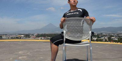 4. Torsión en silla Foto:Oliver de Ros