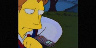 """El prometido de Lisa tenía un reloj al que le hablaba. Esto pasó en el capítulo de """"La Boda de Lisa"""" en 1995. Foto:vía FOX"""