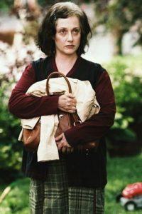 La actriz interpretó a la niñera de los hermanos Plummer. Foto:IMDB