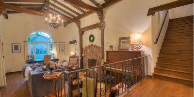 El inmueble aparece totalmente remodelado con dos pisos Foto:www.breakingbadhouse.com