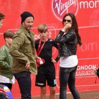 Y aunque Beckham le ha puesto unos buenos cuernos a su mujer, esta le perdonó todo y siguieron juntos. Tanto recuperaron su relación que hasta tuvieron una niña mucho después. Foto:vía Getty Images