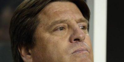 La agresión contra Christian Martinoli de la cadena TV Azteca le costó el puesto al entrenador de la Selección de Mayores de México, Miguel Herrera. Foto:vía Getty Images
