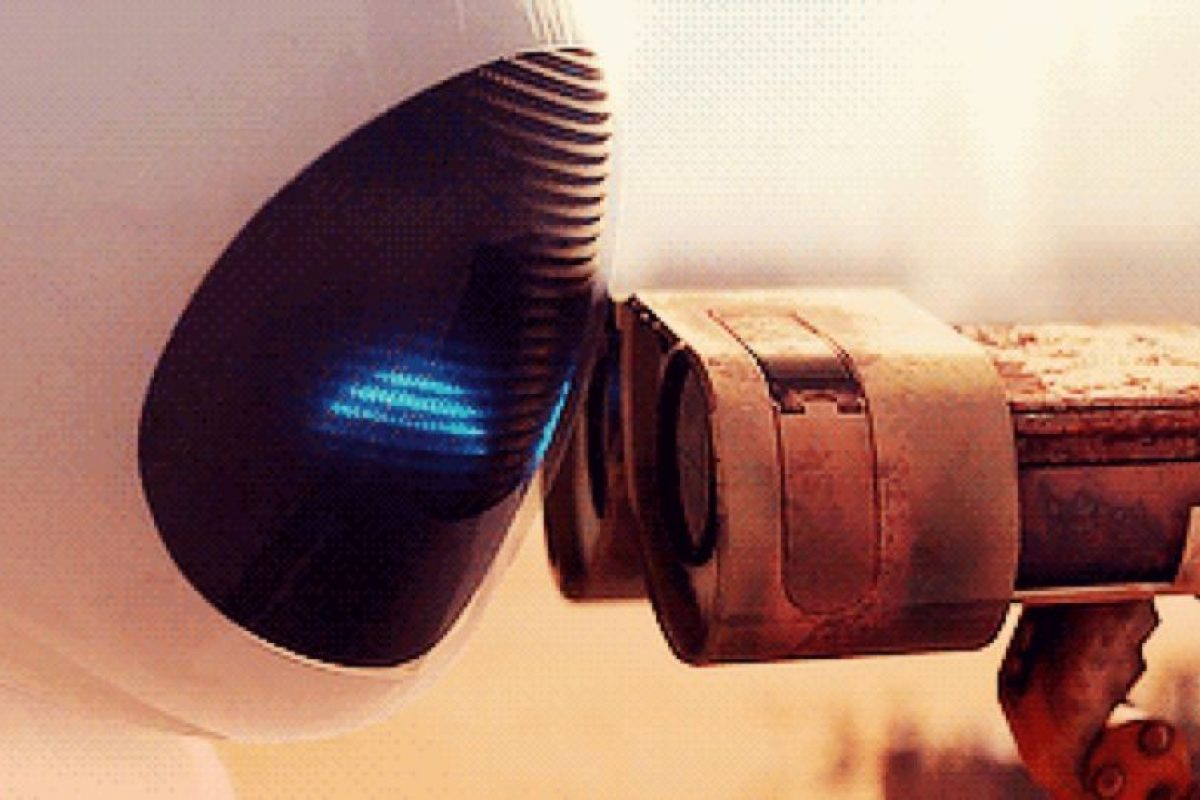 """11. Cuando """"Eva"""" besa a """"Wall-E"""" para salvarlo y no al revés. Foto:vía Disney/Pixar"""
