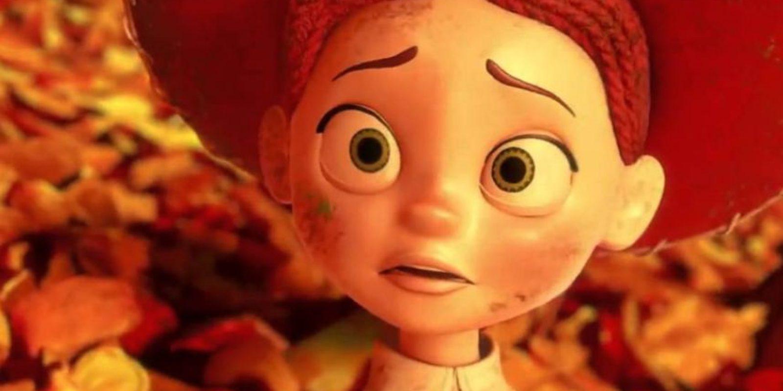 """Traicionados por """"Lotso"""" en el basurero, todos llegan al incinerador y se dan cuenta de su suerte inminente. Foto:vía Disney/Pixar"""