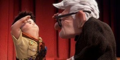 """3. Al final, la casa se queda en el lugar de ensueño de """"Ellie"""" y """"Carl"""" le da a """"Russell"""" la insignia """"Ellie"""". Foto:vía Disney/Pixar"""