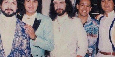 """Sus inicios se remontan a 1970, cuando Marco Antonio Solís y su primo Joel Solís deciden formar """" Los Hermanitos Solis"""", haciendo su debut televisivo en el programa """"Siempre en Domingo"""". Foto:Vía facebook.com/marcoantoniosolis/"""
