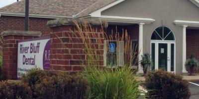 En su consultorio han dejado animales de peluche. Foto:vía AP