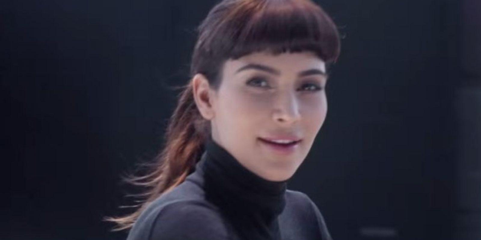 Kim Kardashian mostró su calidad actoral en un nuevo comercial de Hype Energy Drink. Foto:YouTube HYPE Energy USA