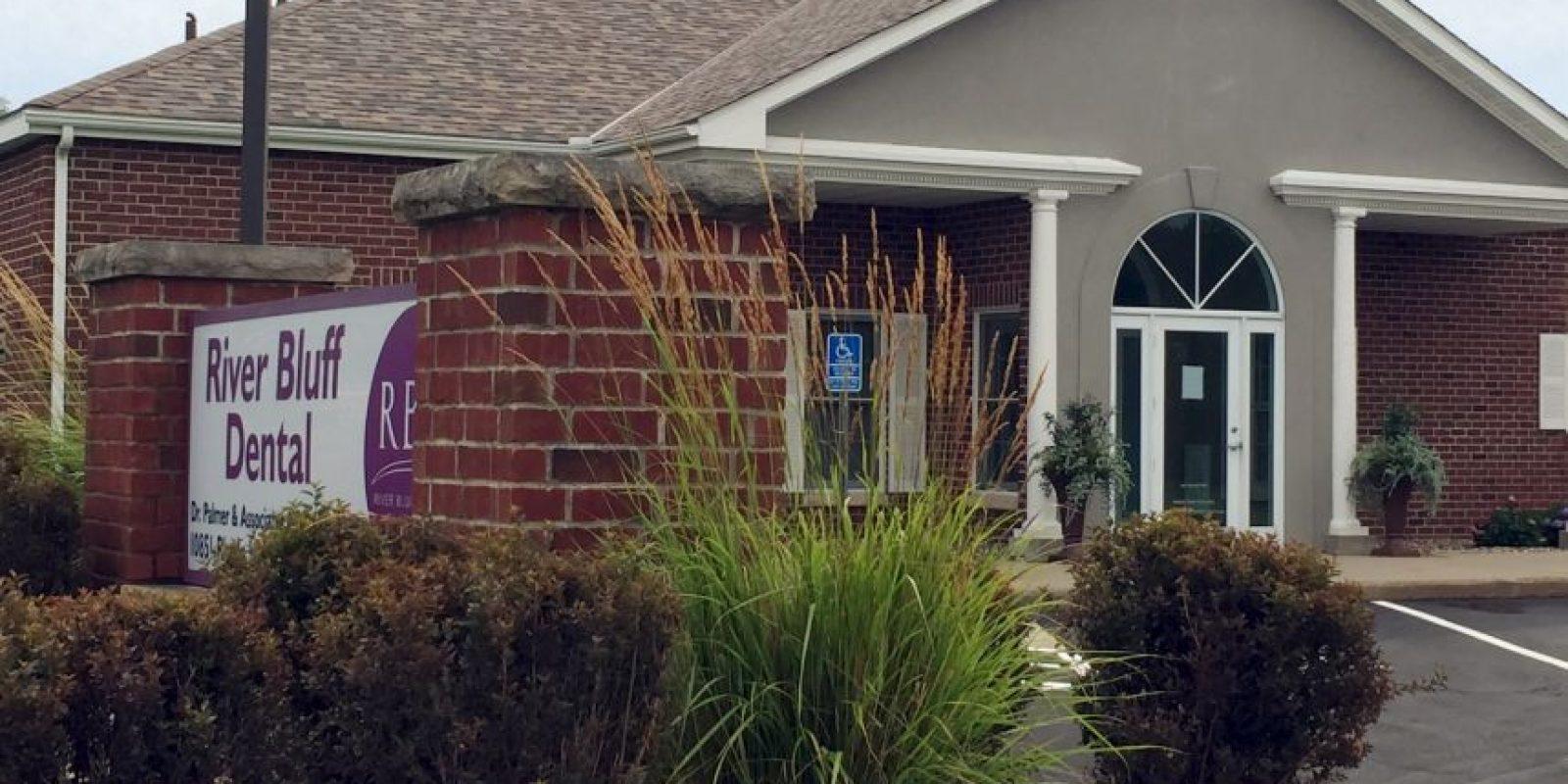 Después de la muerte del león, el dentista cerró su clínica, debido a los ataques que recibía. Foto:AP