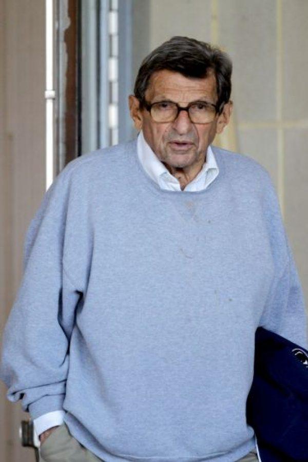 Fue cesado como entrenador de la Universidad de Pensylvannia State por encubrir a un pederasta. Foto:Getty Images