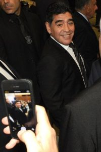 """Pero no es la única situación que afronta """"el Diego"""" pues recientemente, Alejandro Mancuso, su examigo y colega, lo acusó de haber falsificado su firma en un contrato comercial. Foto:Getty Images"""