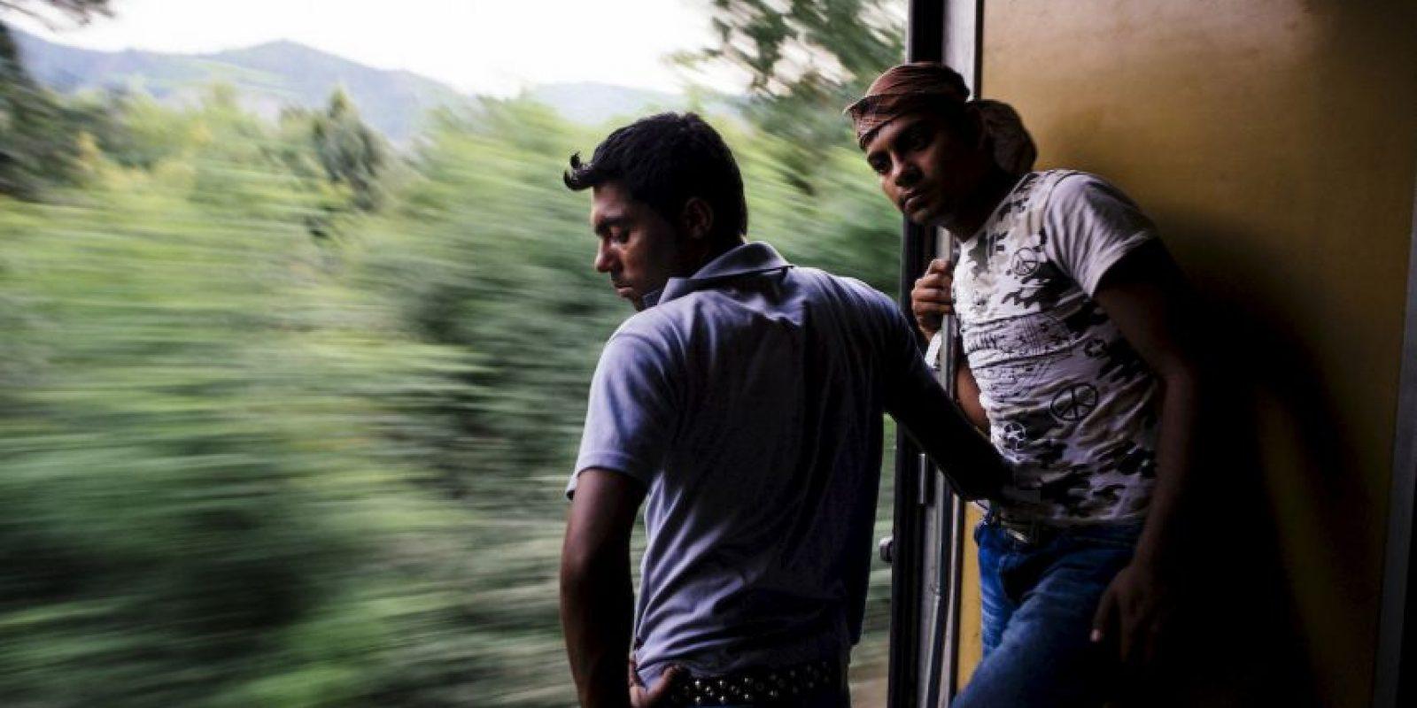 Migrantes en la frontera con Serbia. Foto:AFP