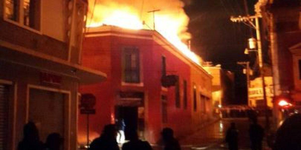 EN IMÁGENES. Incendio de gran magnitud dejó cuantiosas pérdidas en #Xela
